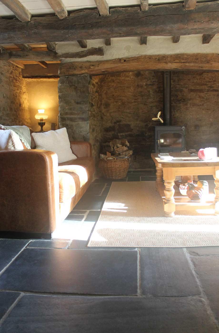 Welsh Cottage Living Room ...